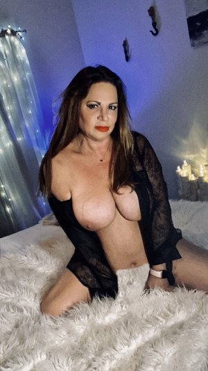 Aleksandra sex party in Talladega AL, prostitutes